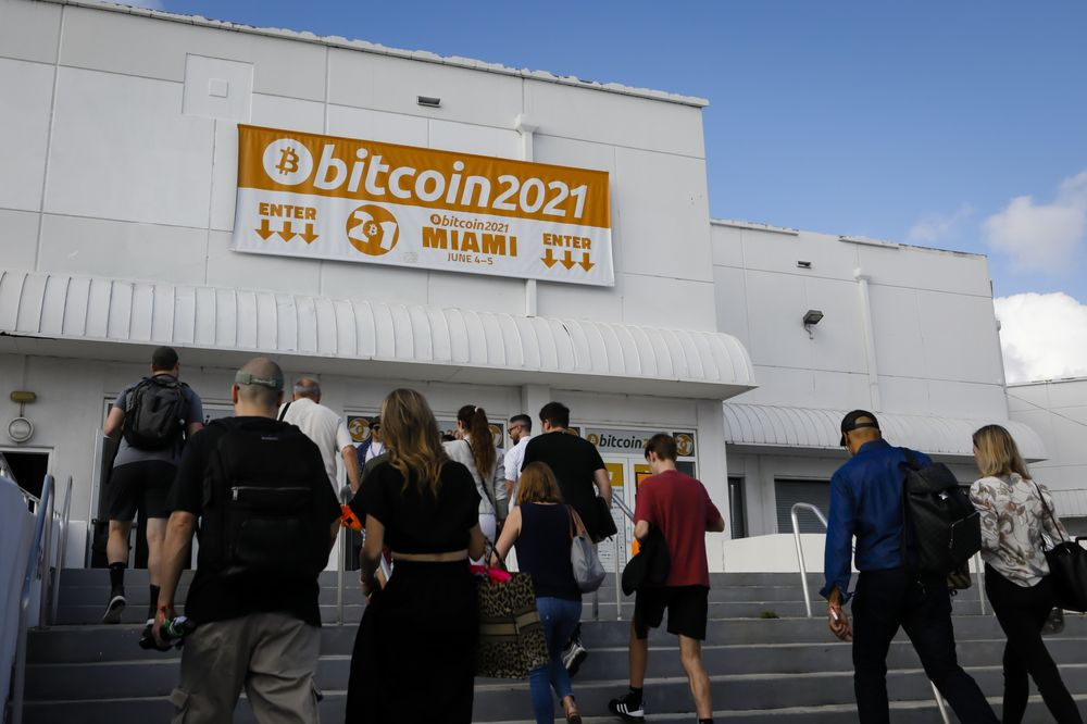 """Bitcoin 2021 is in danger of becoming an event """"super infectious"""" Covid-19"""
